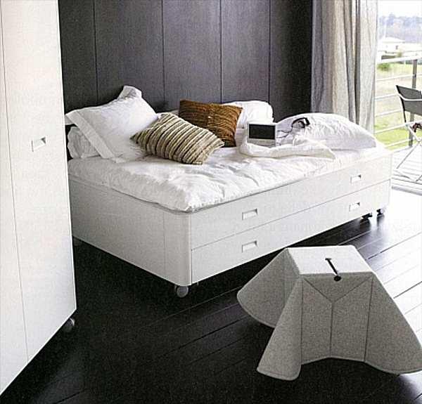 Кровать LIGNE ROSET 001PAH20