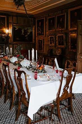 Итальянская мебель для столовой комнаты в Москве